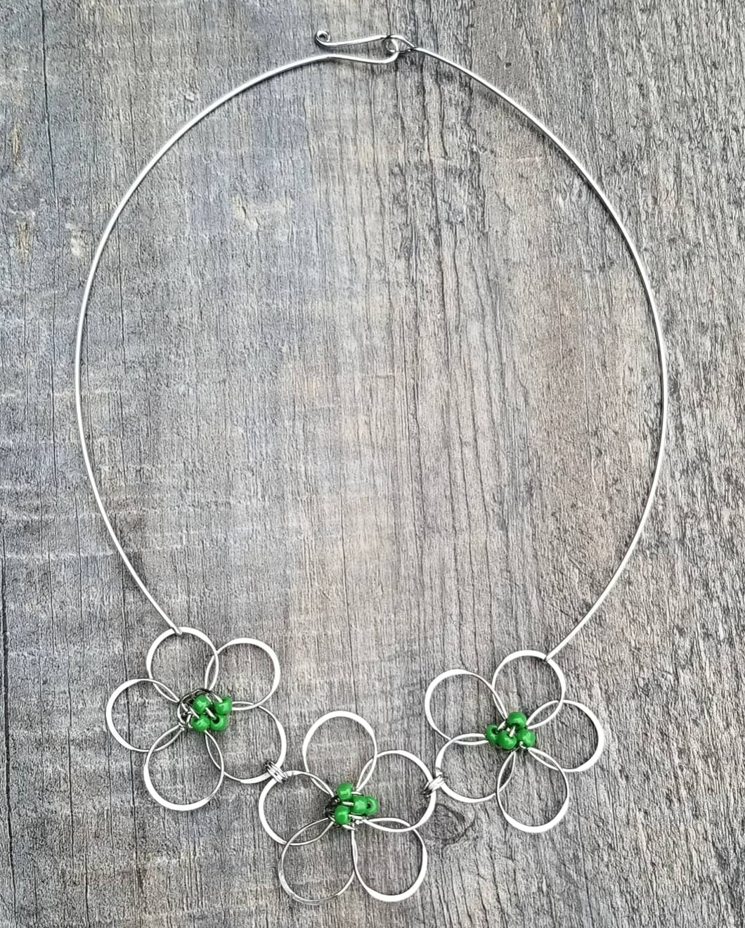 Flower Necklace Green