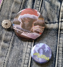 Gizmo- Santa Hat pin back button