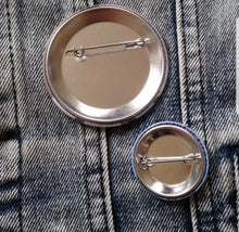 Fishbone pin back button