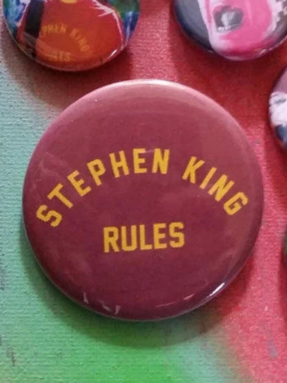 Stephen King Rules pin back button