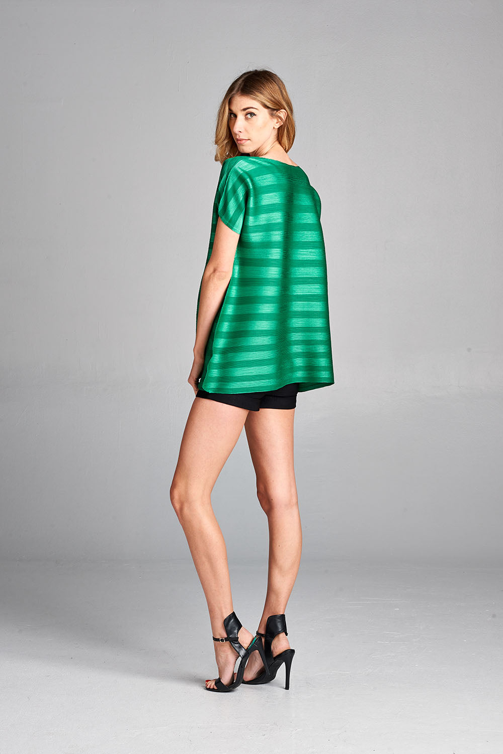 Pleated Green Dziko Top 4050