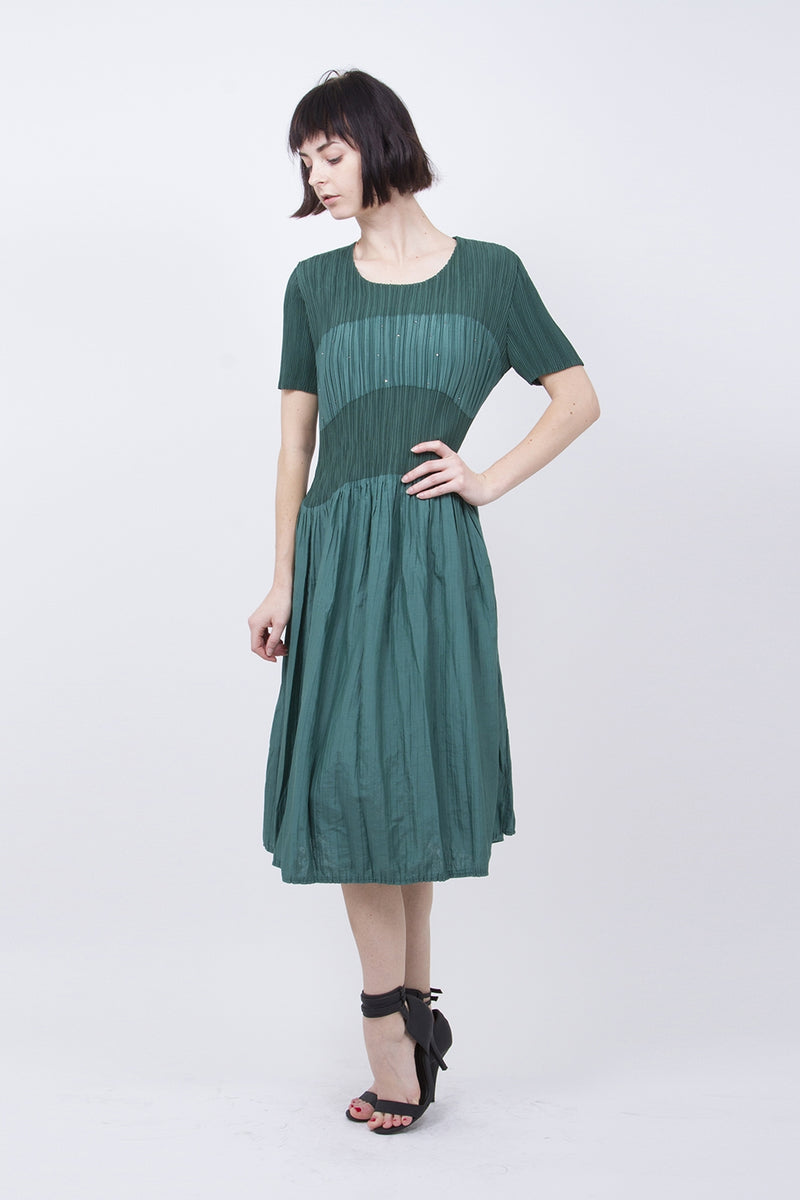 Pleated Green Flared Dress HT-9467