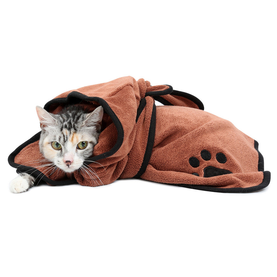 Bathrobe Dog Pajamas QBLEEV weard by a cat