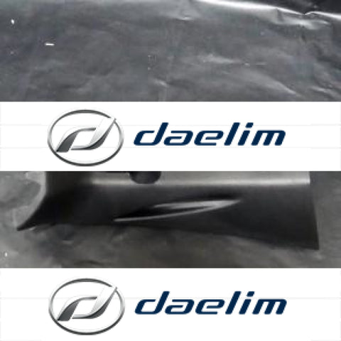 Genuine Right Handlebar Cover Daelim Sq 125 250 S2