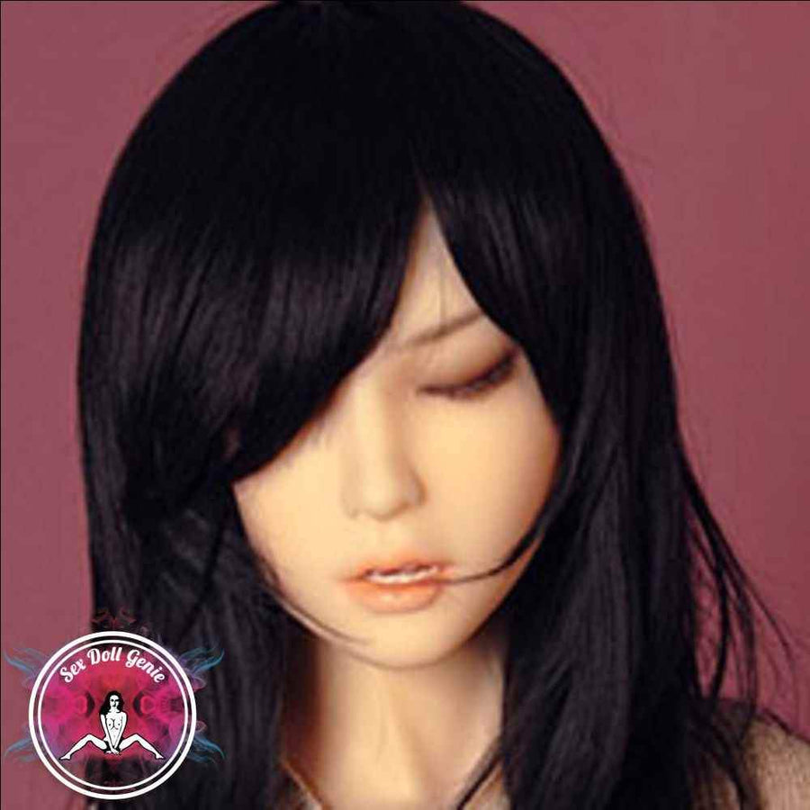 DS Doll Head Kayla (Closed Eyes)