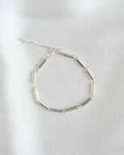 Load image into Gallery viewer, Sterling Silver Link Chain Bracelet