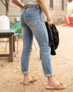 Georgia Non-distressed Girlfriend Jean - Mid-Wash