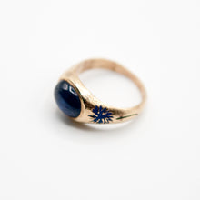 Load image into Gallery viewer, Blue Aster Sapphire Signet Ring