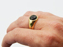 Load image into Gallery viewer, Green Sapphire and Oak Vine Signet Ring