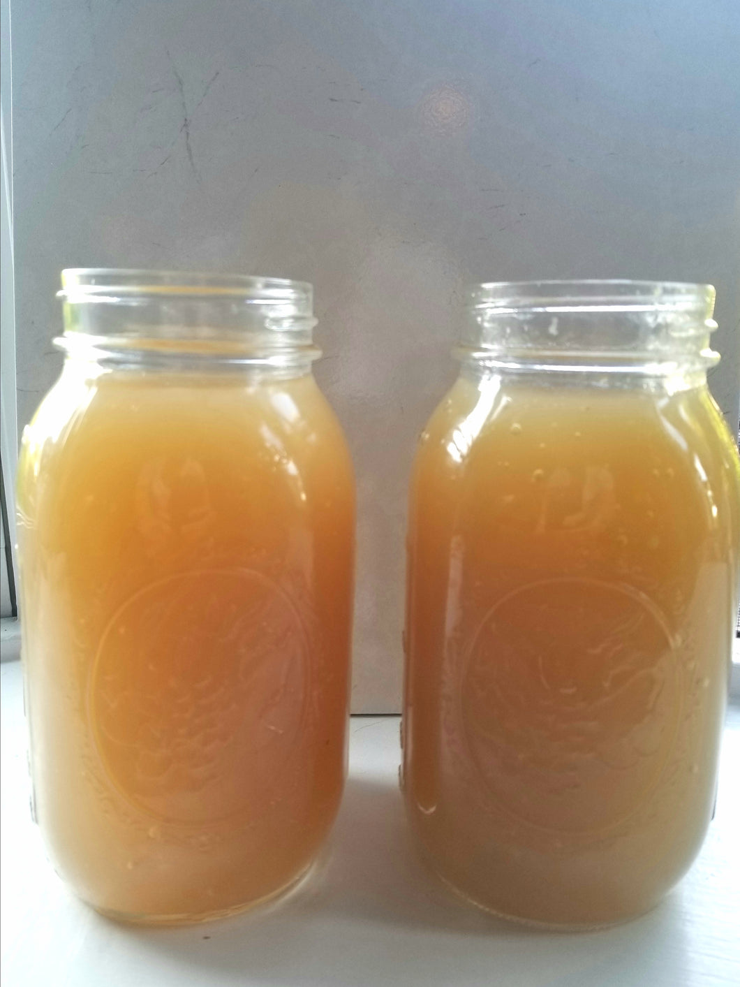 Lemon Garlic Bone Broth
