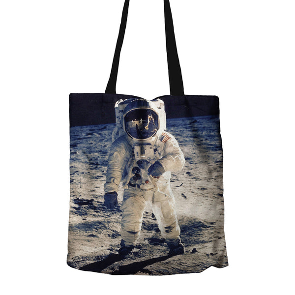 Astronaut-on-Moon