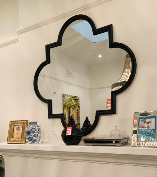 Quatrefoil Black Mirror