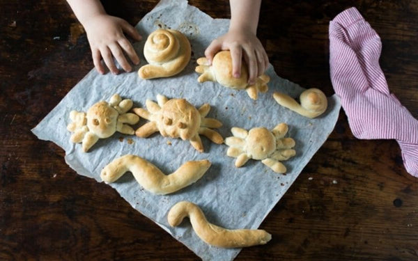 bread roll animals