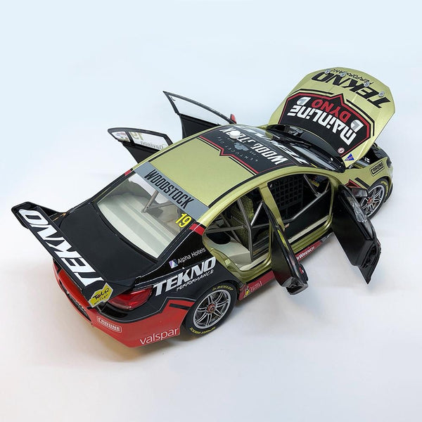 Authentic Collectables 1/18 Tekno/Woodstock Racing Holden VF Commodore 2017 Supercars Championship Will Davison