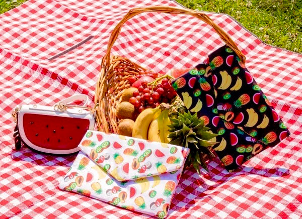 """Chiquita"" Fruit Clutch"