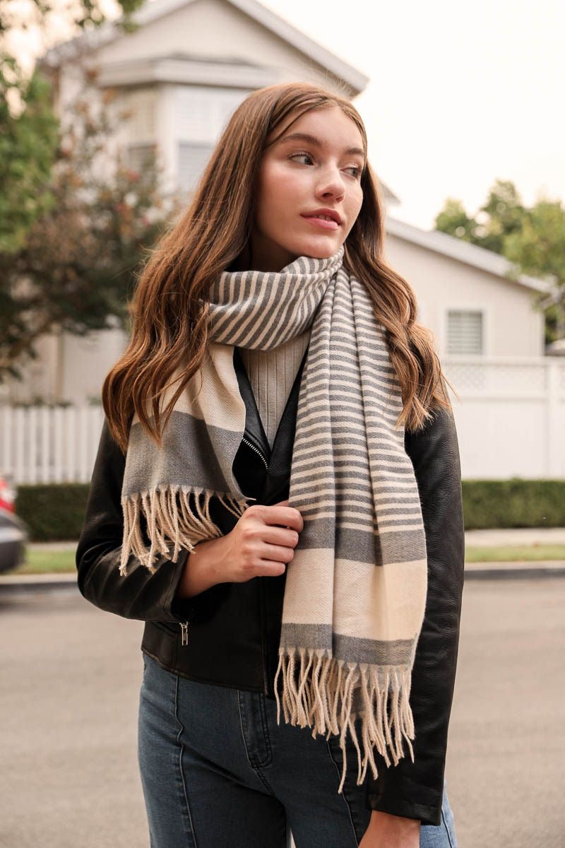 Cozy and Warm Striped Woven Tassel Scarf-Gray/White