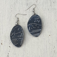 Load image into Gallery viewer, Leifa Isle Earrings - Black and White Mono