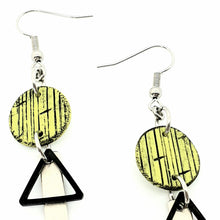 Load image into Gallery viewer, Inise Bar Isle Earrings - Green, Black and Silver Strikes