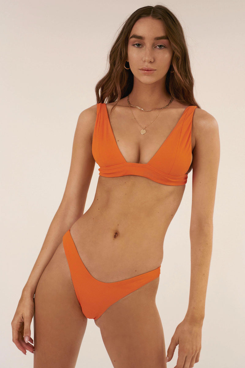 BIKINI DOLLS Sade bikini top in Orange rib