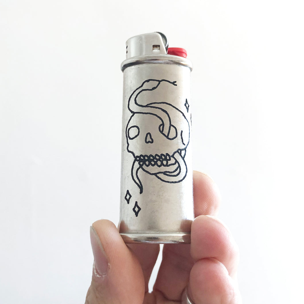 Mystic Skull hand-engraved lighter sleeve