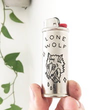 Load image into Gallery viewer, Lone Wolf Hand-Engraved Lighter Sleeve