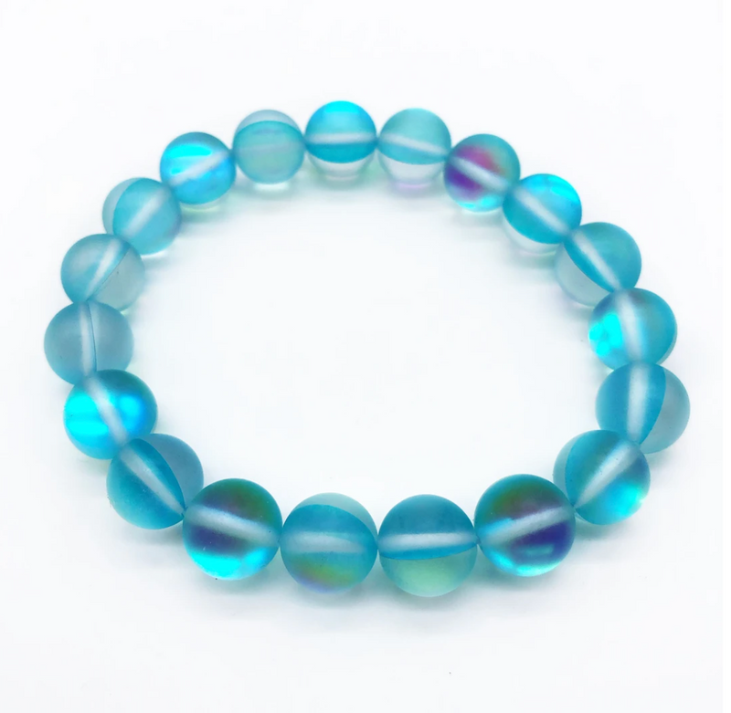 Bracelet made of teal iridescent beads