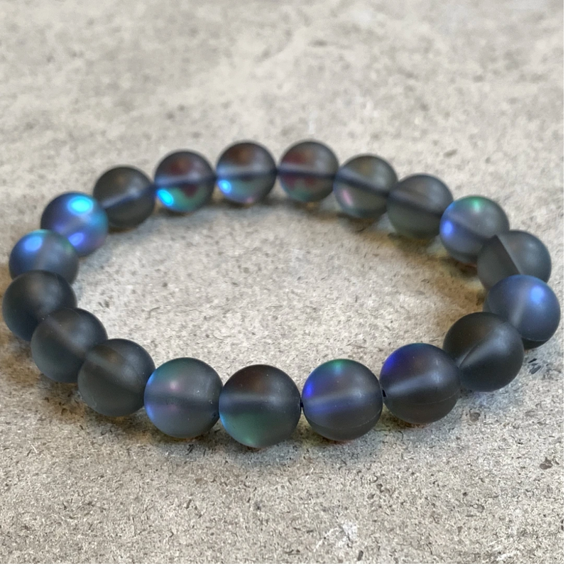 Bracelet made of navy iridescent beads