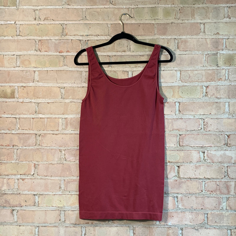Plus size tank tops Red