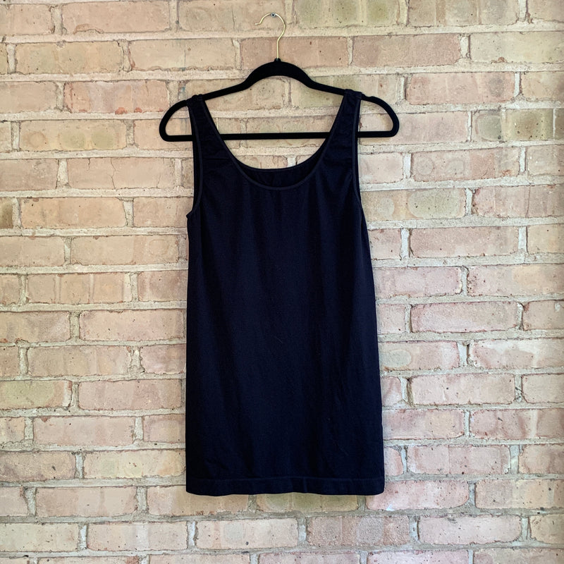 Plus size tank tops Black