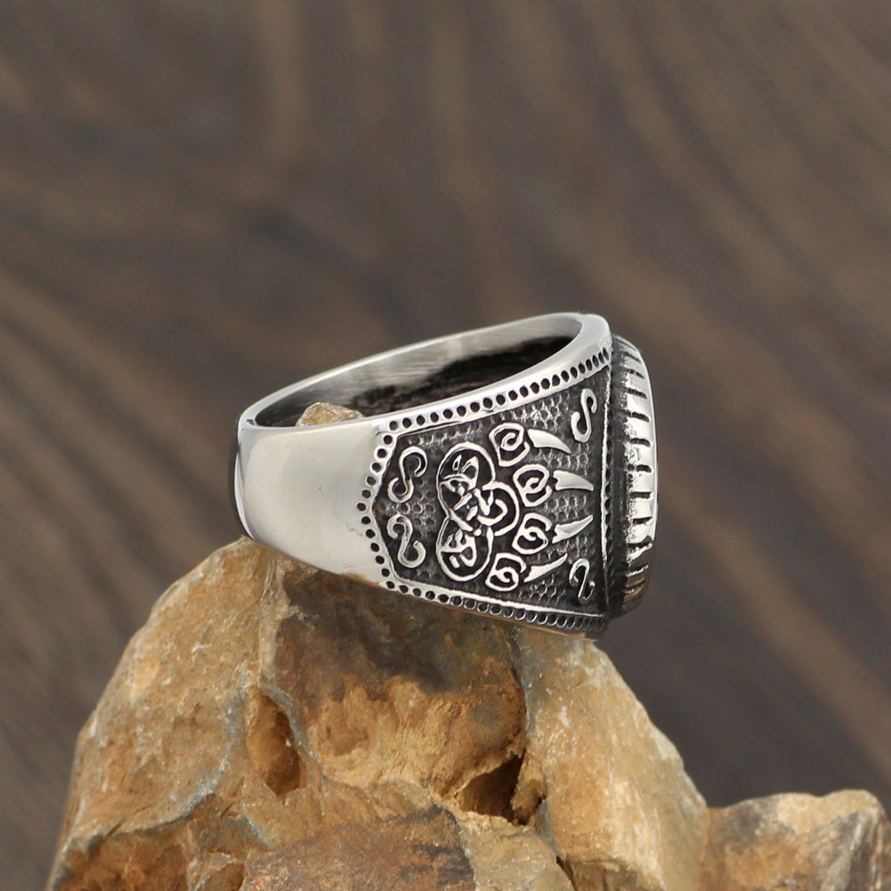 Viking wolf paw vantage ring