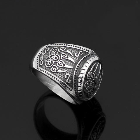 Image of Viking wolf paw vantage ring