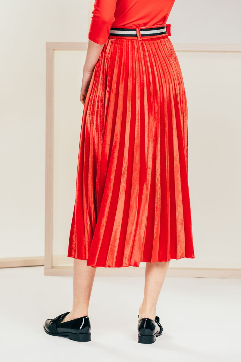 Red pleated plush skirt