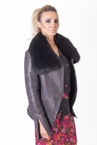 Three-Quarter Leather Jacket with Raccoon Fur Collar