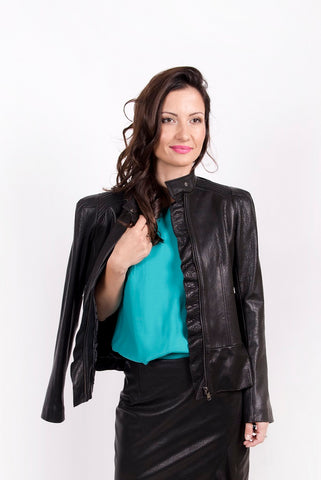 Jacket with shoulder pads