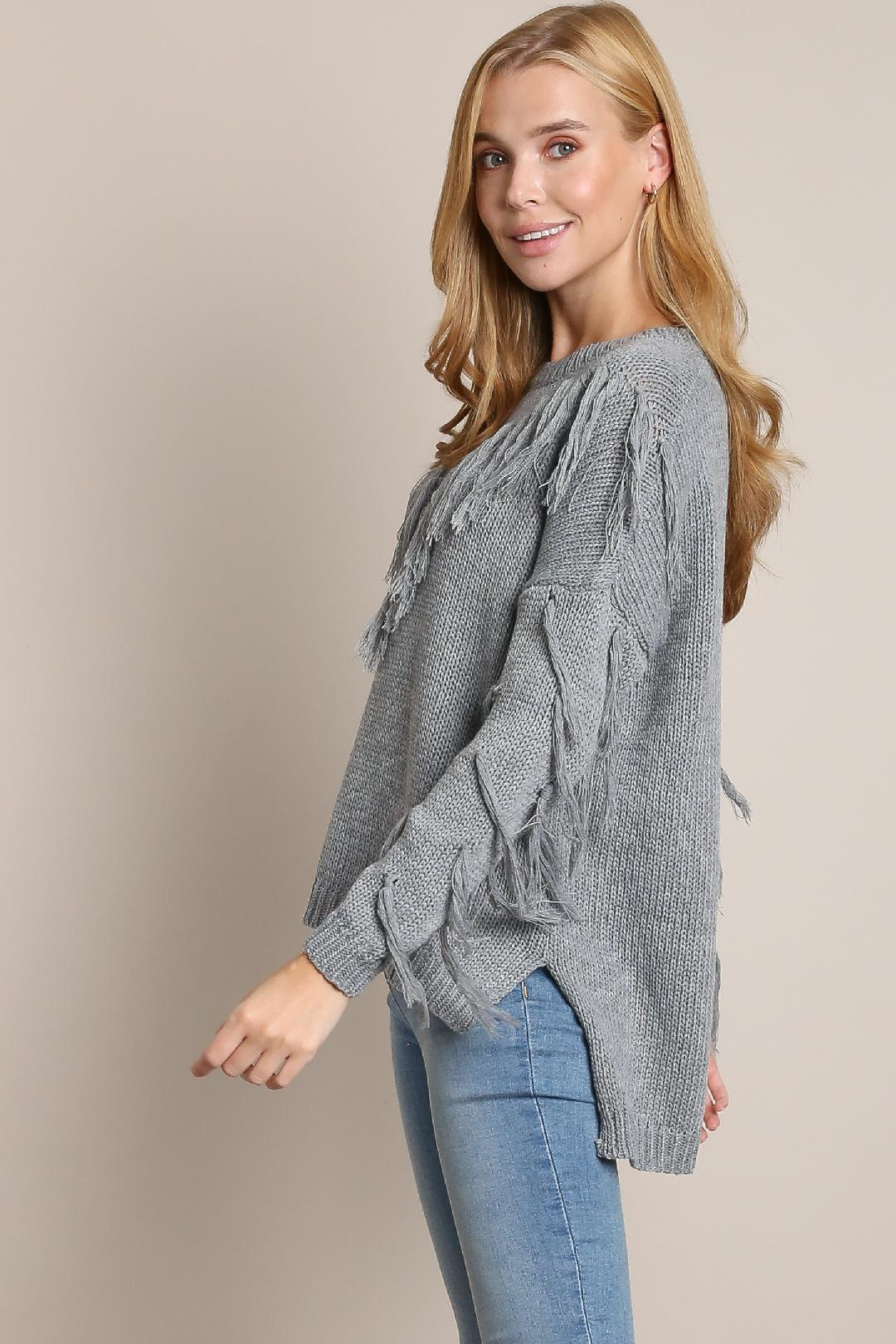 TASSEL FRINGE SWEATER