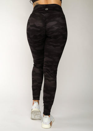 Load image into Gallery viewer, Black Camo Scrunch Jogger 2.0