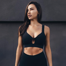 Cherí Fit – Keyhole Crossover - Black Sports Bra