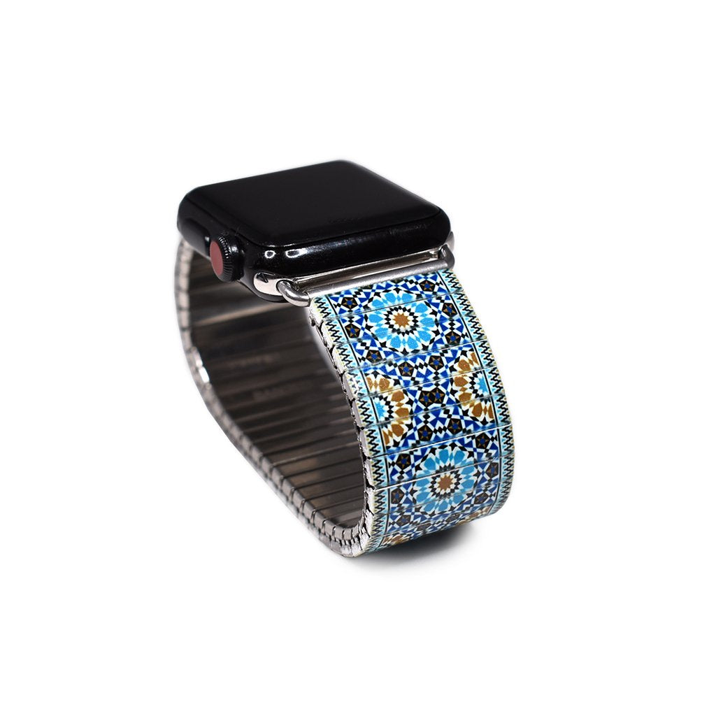 Sevielle Tile Blues - A homecoming of Phoenician blues and Carthaginian shells brought together by waves from the Mediterranean- New for the Banded Berlin Spring 2020. Stainless steel, nickle free, scratch and watch proof. Apple Watch not included.   Rostfreier Stahl, nickelfrei, kratz- und wasserfest.  © 2020, banded berlin.