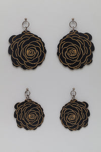 Double Sided Flower Earrings in Matte Black look