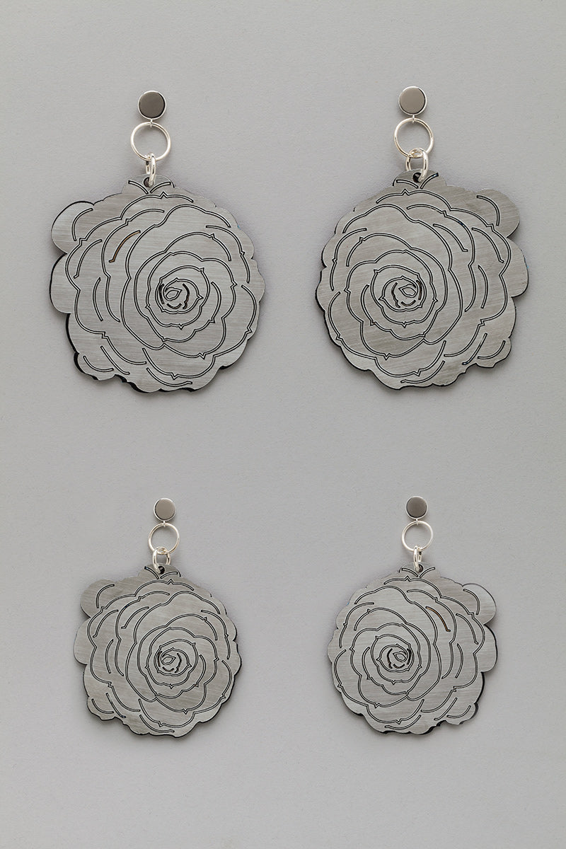 Double Sided Flower Earrings in Silver/Gold look