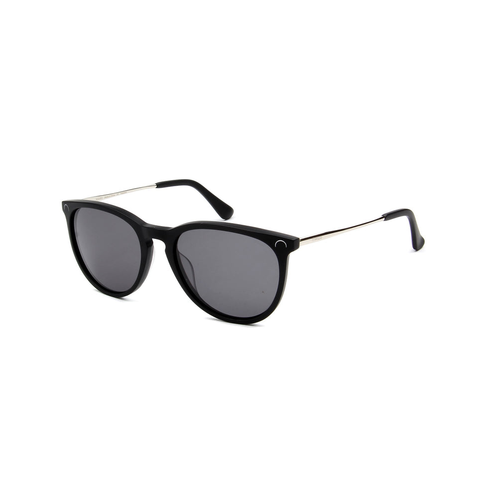 Ovea Matte Black - Angle View - Dark Grey lens - Mawu sunglasses