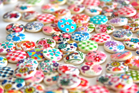 50g Over 100pcs Buttons- Mixed Colours of Various Plain Round DIY Buttons for Sewing and Crafting - Raylinedo