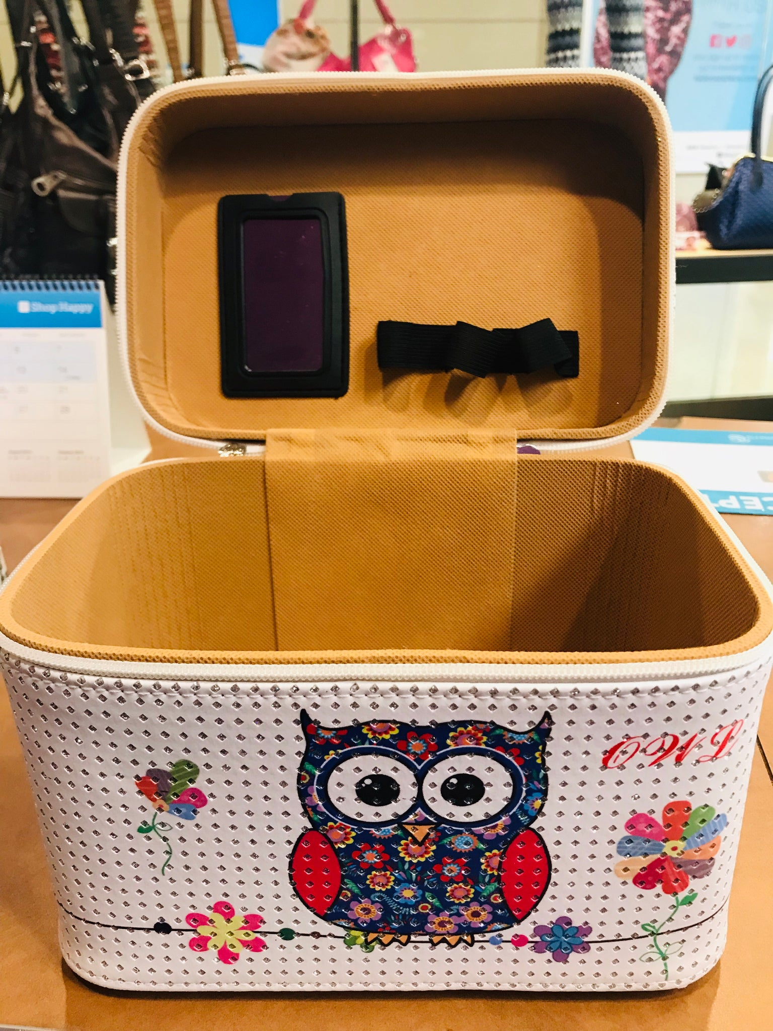 Larger owl cosmetic carry case