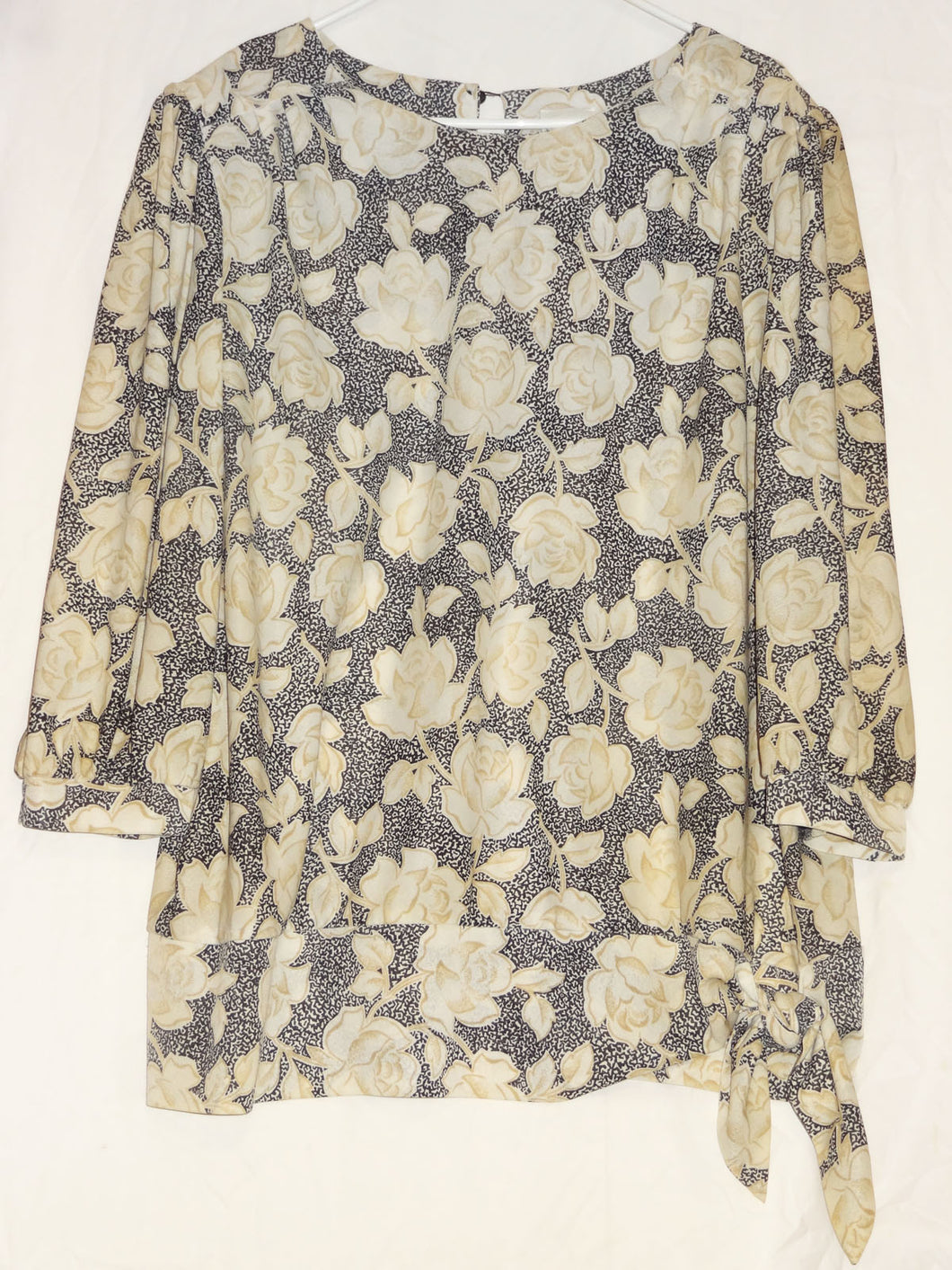 SHEENA, WOMEN'S FLORAL PRINT KNIT TOP, SIZE 24 1/2 - Junkdrawercoolfinds.com