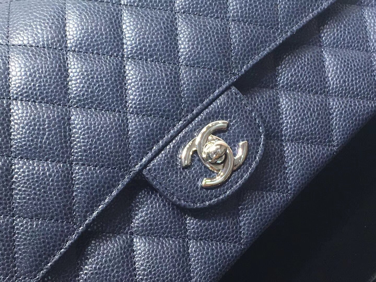 CHANEL CLASSIC BAG MEDIUM GRAINED CALFSKIN - vlixcogoods