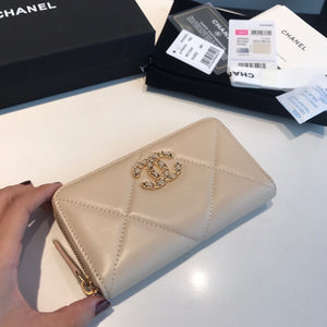 CHANEL 19 LONG ZIPPY WALLET