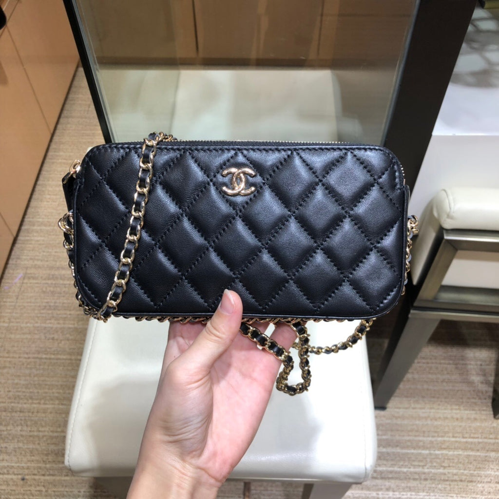 CHANEL DOUBLE ZIPPER STRAP BAG
