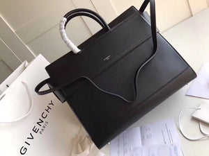 GIVENCHY HORIZON BAG 35