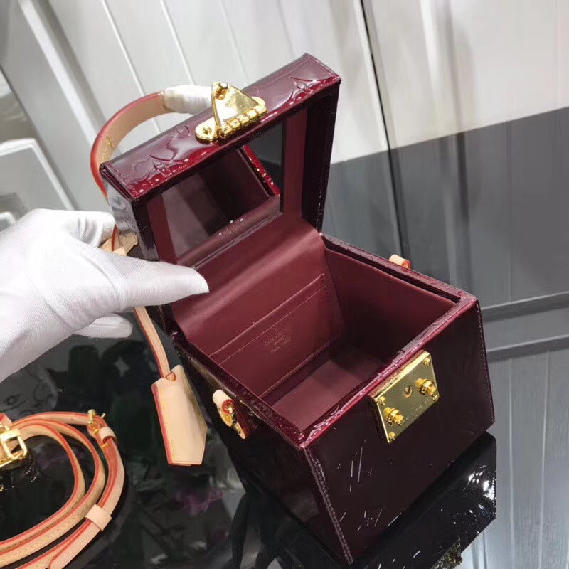 LV BLEECKER BOX