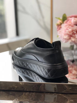 CHANEL SNEAKERS - vlixcogoods
